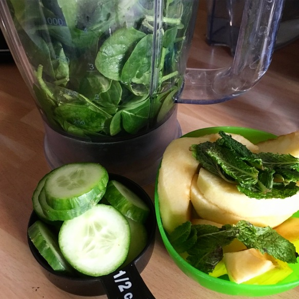 Apple Cucumber Mint Green Smoothie